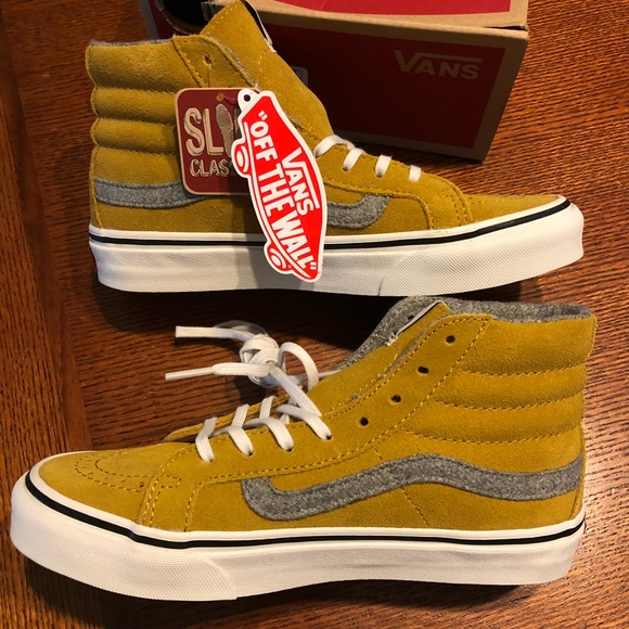 ae541e2b4234c5 New in Box Vans Skate Hi Top Slim Mustard Suede